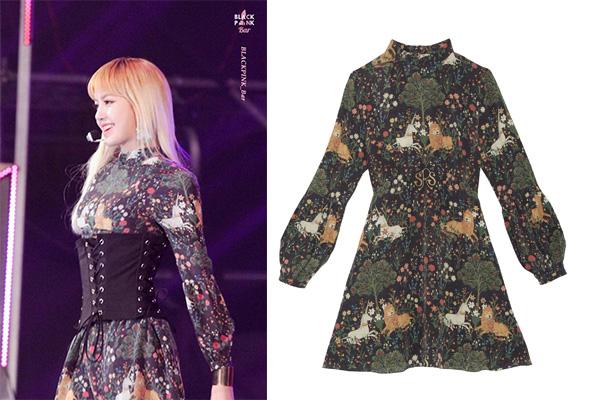 ลิซ่า สวมชุด BELLA DRESS จากแบรนด์ Sretsis ราคา 19,900 บาท
